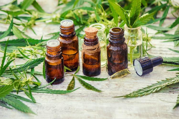 cannabis-tinctures-1